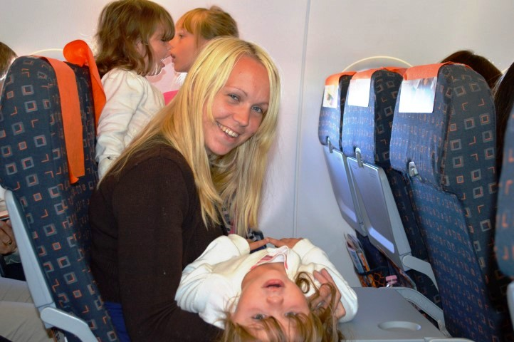 EasyJet Verona to Gatwick, EasyJet Verona to Gatwick, airline, airline review, Easyjet review, flying with toddlers, travel with twins, flying with toddler twins,