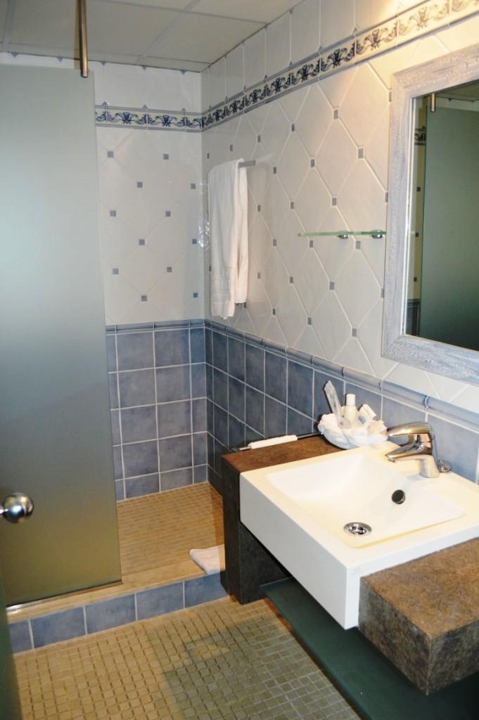 Ensuite bathroom Royal Son Bou Family Club