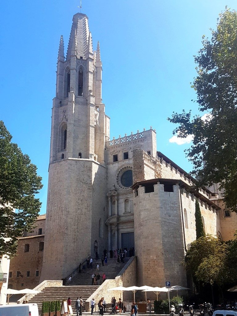 Basilica Sant Feliu Girona, Collegiate Church of Sant Feliu, Saint Felix of Girona, beautiful churches, spanish churches, visiting girona with kids, girona with children, Costa Brava, Catalonia, Girona, Spain, family travel, travel with kids,