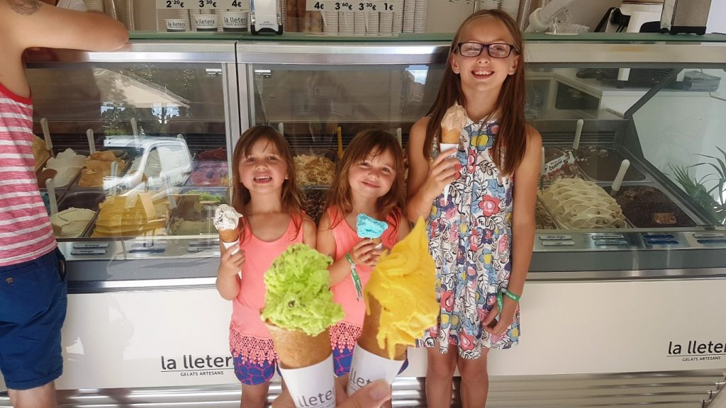 la llatera, Girona, spanish ice cream, ice cream in spain, ice cream in Girona, Costa Brava, Catalonia, Spain, visiting girona with kids, girona with children, best ice cream in girona, best ice cream in costa brava,