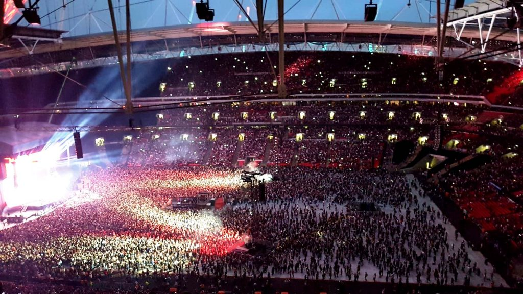 Ed Sheeran Live at Wembley Stadium, stage lit up at Wembley Stadium, Wembley Stadium Concert, Ed Sheeren Divide Tour, Ed Sheeren in Concert, crowds at Wembley Stadium