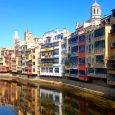 River Onyar Girona, brightly coloured houses in Girona, overlooking the river in Girona, girona with children, visiting girona with kids, costa brava, family travel, family days out in spain